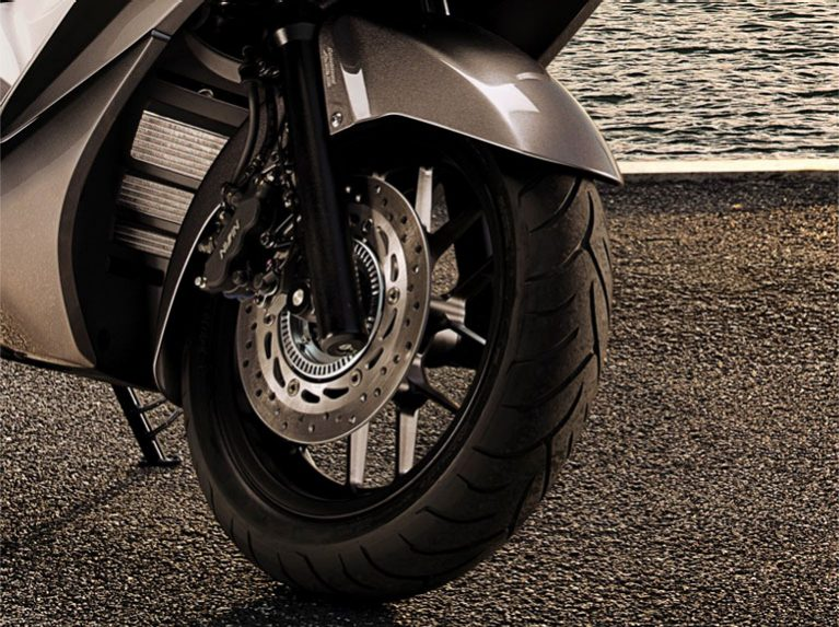 Scooter Motorcycle Tyres | Dunlop